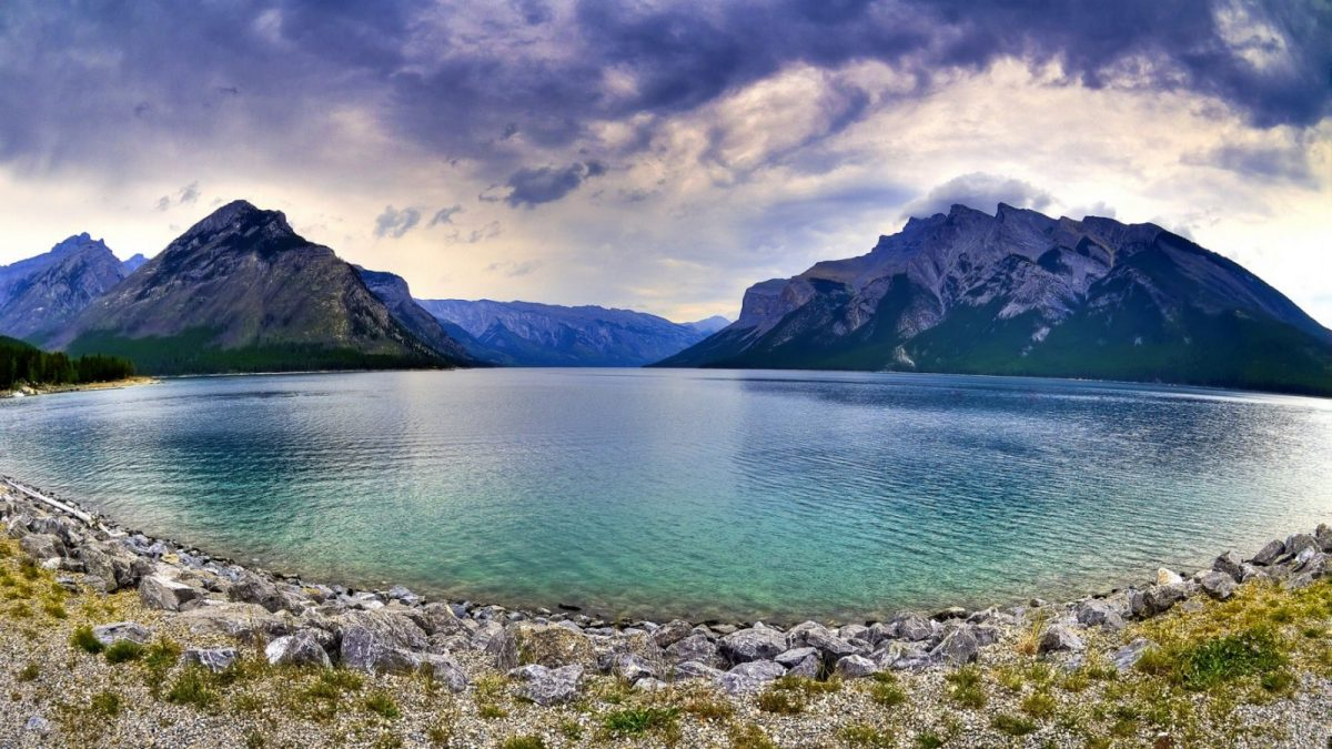 Lake Minnewanka, Alberta Canada