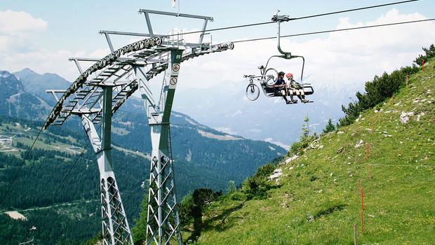 Mountainbike aan lift