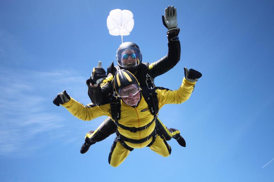 's werelds oudste skydiver ter wereld