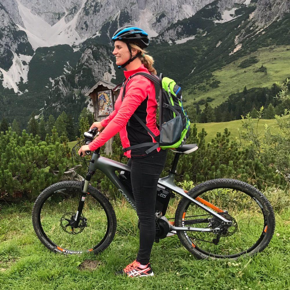 We begonnen onze trip met een mountainbiketocht: lekker met de e-bike!