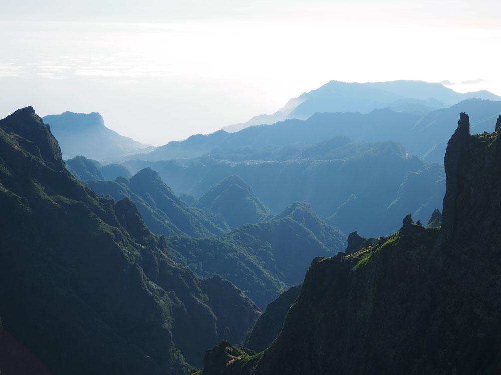 Pico do Arieiro ochtend licht mist
