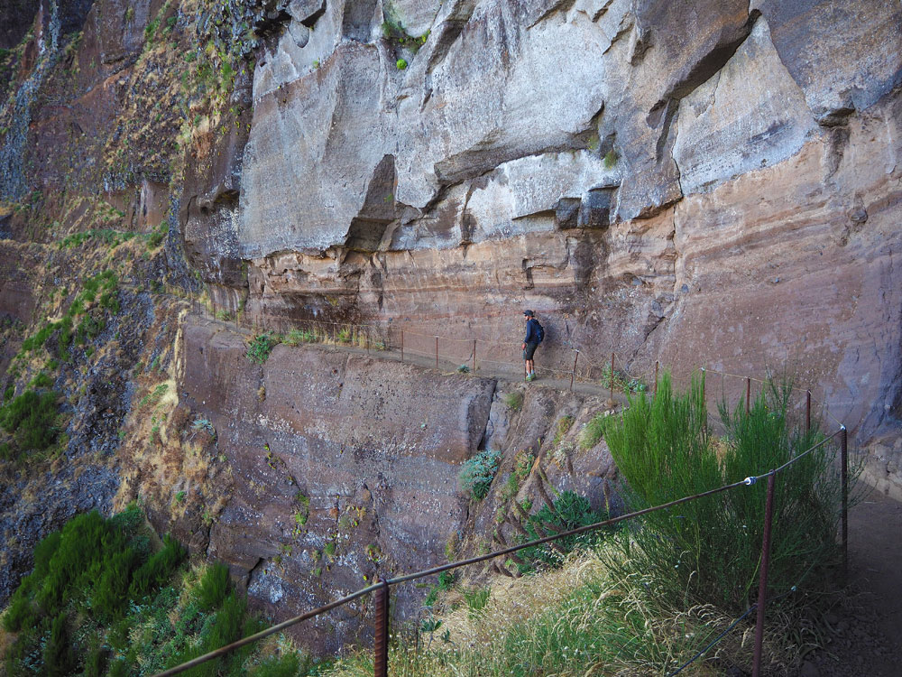 Pico do Arieiro wandelroute smal wandelpad