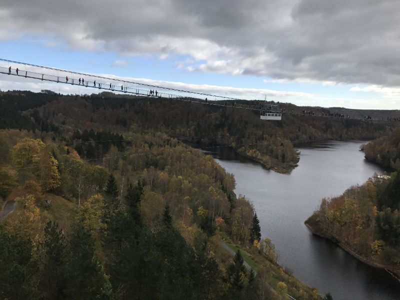 Titan-Rt, langste voetgangershangbrug van Duitsland.