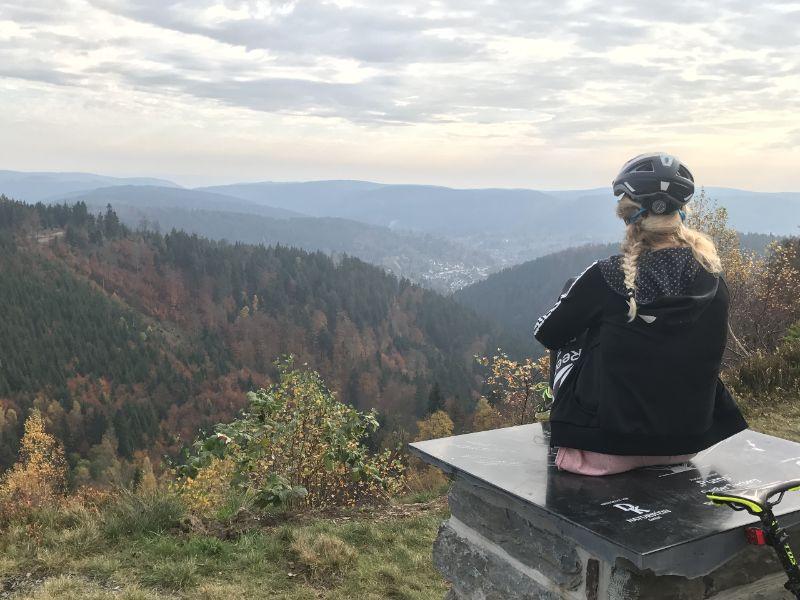 Genieten van ons uitzichtpunt Grober Tierberg