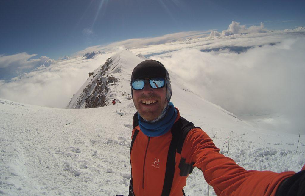 Ruim 5000 meter hoog. Met slechts 1 shirtje aan