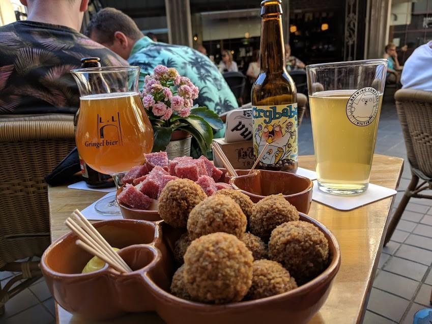Stop bij speciaalbier cafe Grendelpoort Valkenburg