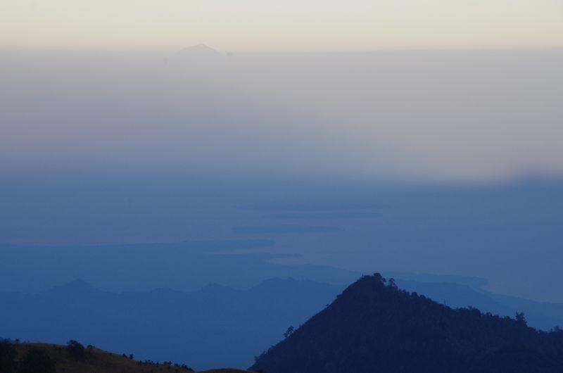 Uitzicht op de drie Gili's vanaf Mount Rinjani