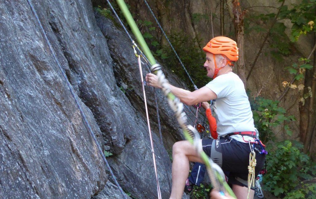 Aan het touw omhoog prusikken