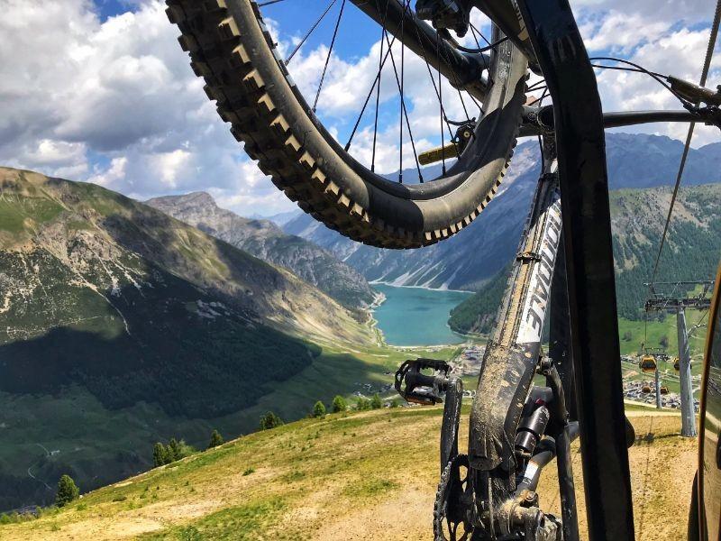 Met je mountainbike in de stoeltjeslift, Livigno
