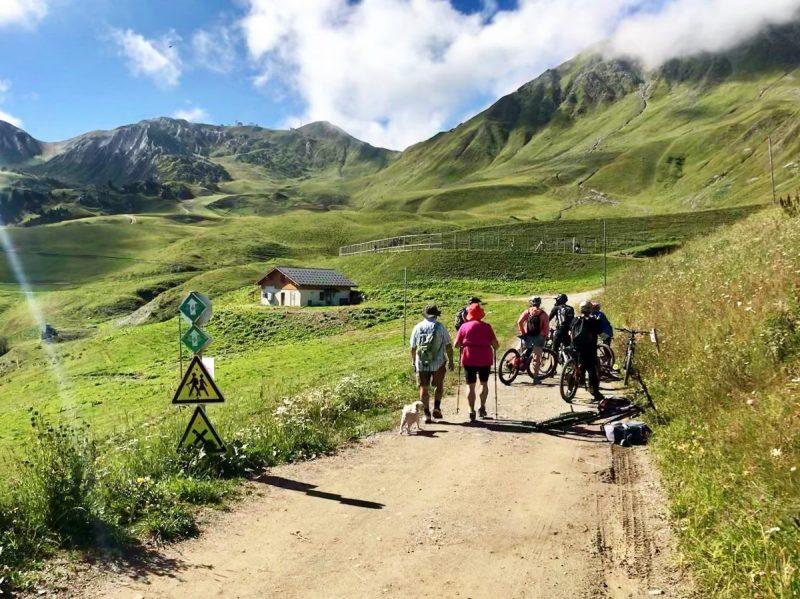 Onderweg komen we hikers én fietsers tegen