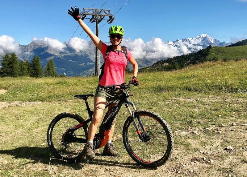 In no time zijn we op de e-bike waar we willen zijn, zoals hier, met zicht op de Mont Blanc!