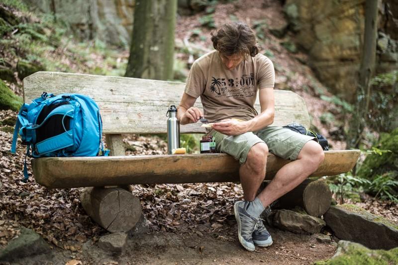 Pauze op een van de vele goed-geplaatste bankjes | eigen foto: Manja Herrebrugh, Mountainreporters