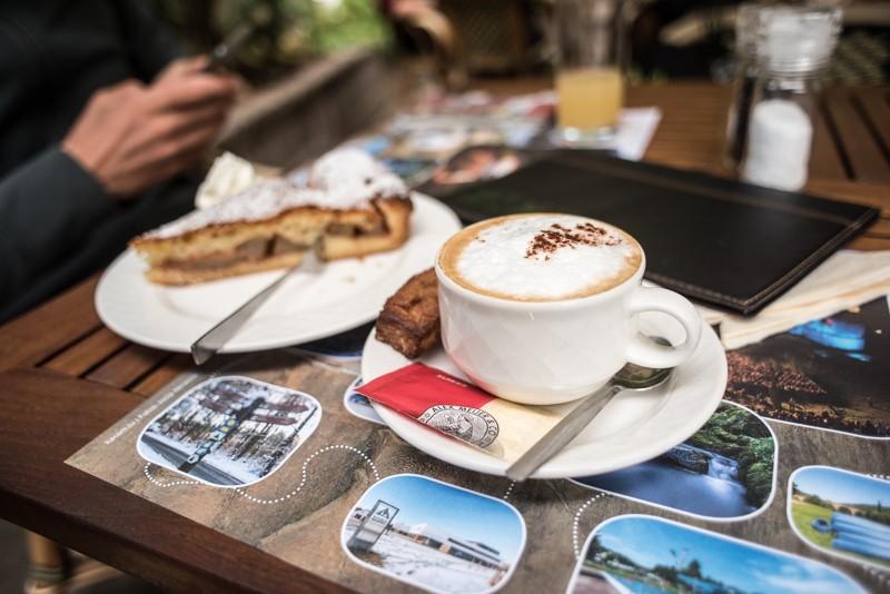 Koffie en taart onderweg | eigen foto: Manja Herrebrugh, Mountainreporters