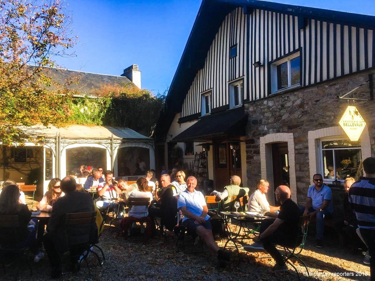 Het gezellige terras bij Brouwerij van Bellevaux