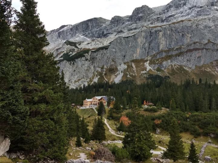 Terug vanuit de Geisspitze naar de Lindauer hütte.
