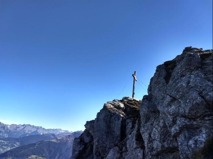 Toch nog zicht gehad op het topkruis van de Tschaggunser Mittagspitze.