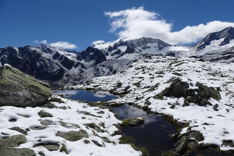 Sneeuw en water in de Stubaier Alpen