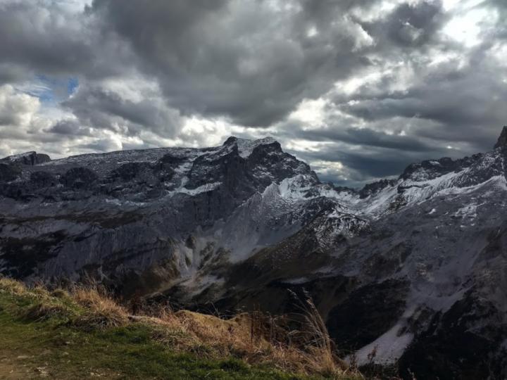 Op de Geisspitze zag het weer er erg dreigend uit.