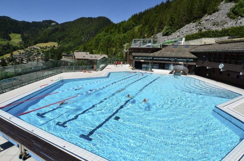 Het zwembad van La CLusaz. Foto: Lac Annecy