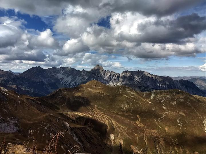 Uitzicht vanaf de Geisspitze naar het andere dal.