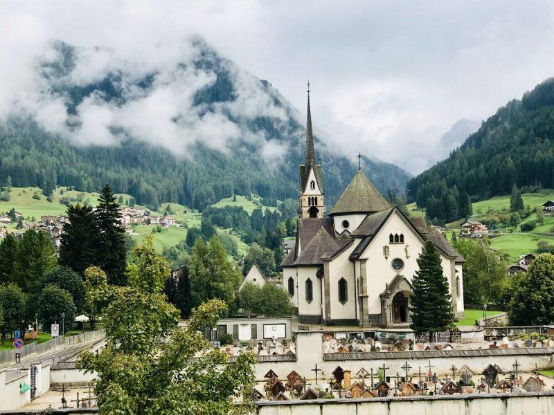Prachtig kerkje langs de route