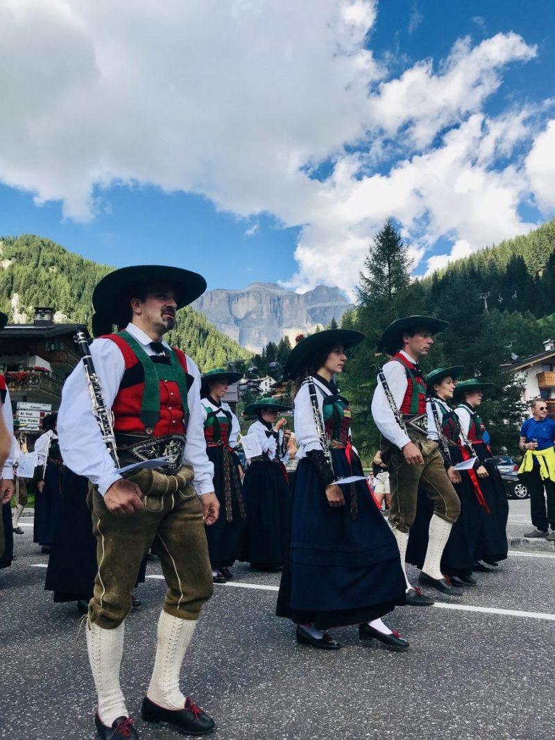 De jaarlijkse Ladin-parade