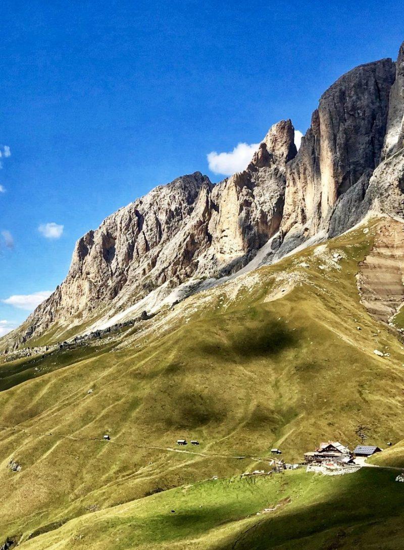 Vanaf de gondel zie je de Friedrich Augusthütte al liggen