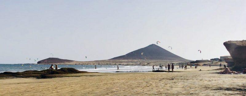 Het zandstrand van El Médano: perfect om te kitesurfen