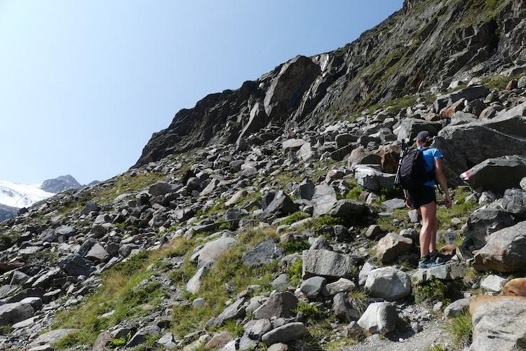Het pad werd steiler, maar we kregen mooi zicht op de gletsjer. Blaue Lacke Stubaital
