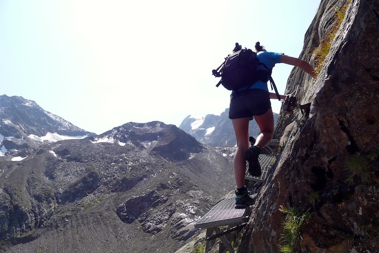 Een roostertje bij de Blaue Lacke in de Dolomieten