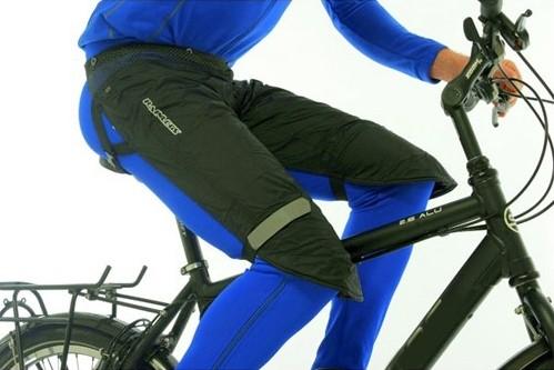 Rainlegs: Een vederlicht schortje dat vanaf je middel je bovenbenen beschermt. Condensvorming blijft uit.