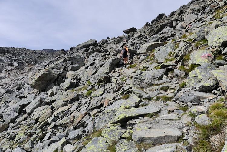 Het laatste stukje klimmen naar de Rinnensee in Stubaital