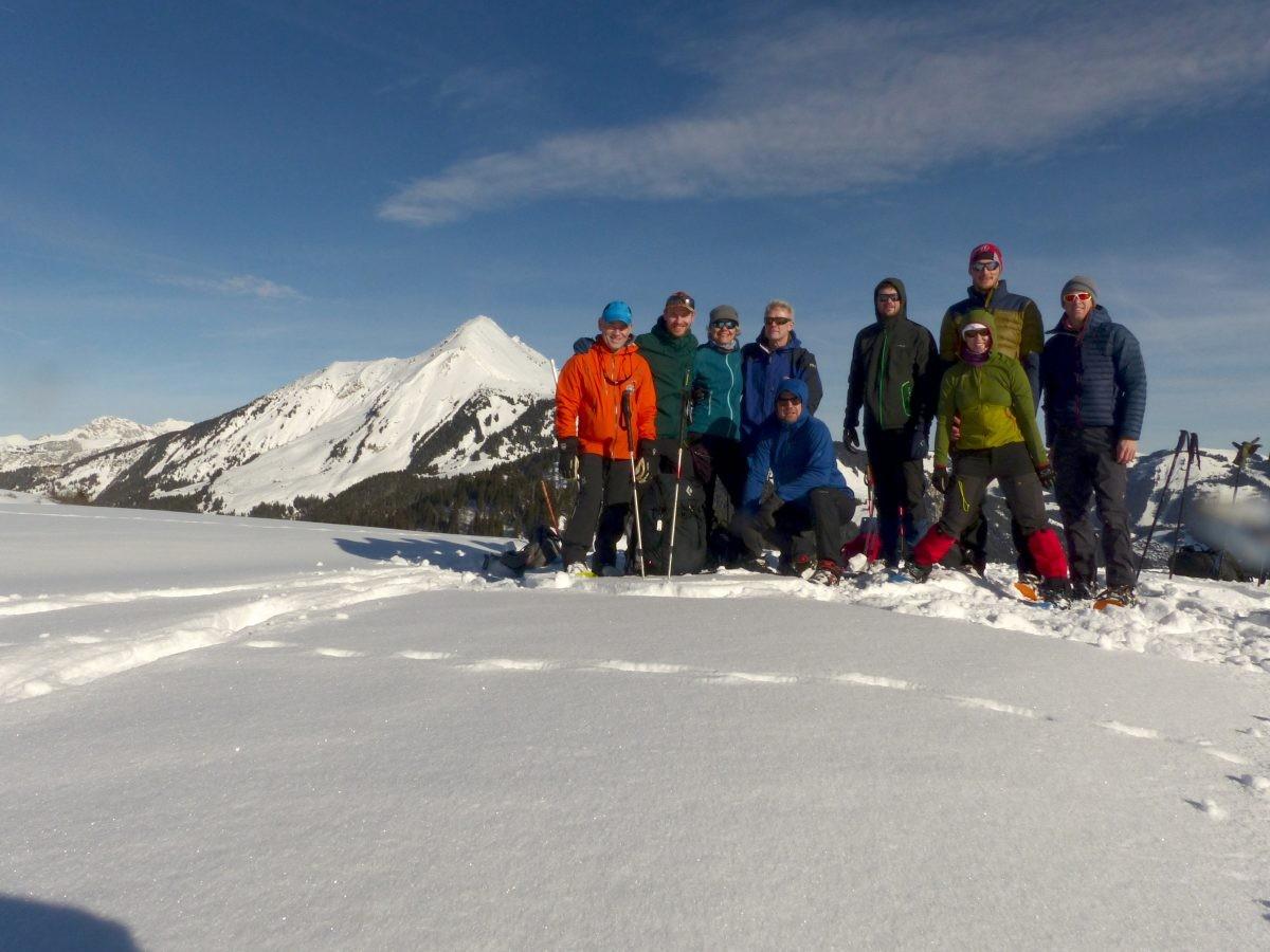 Groepsfoto vanaf Col de Bassachaux met Mont de Grange op de achtergrond. Foto: Sietske Mensing