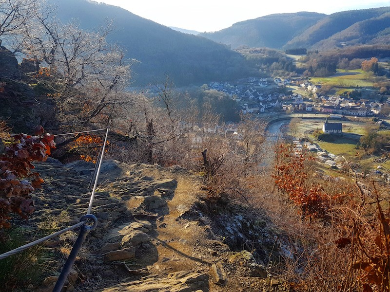 Wandelen rondom de plaats Altenahr in de Eifel