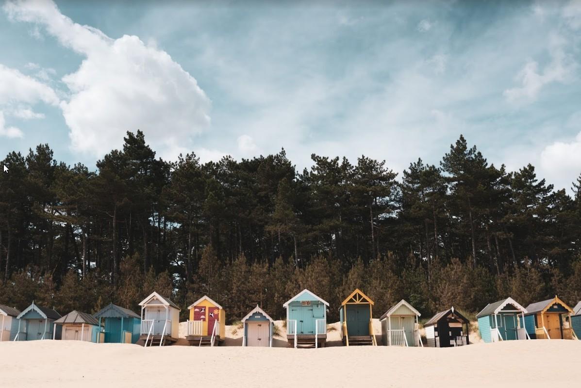 Strandhuisjes langs de Engelse kust