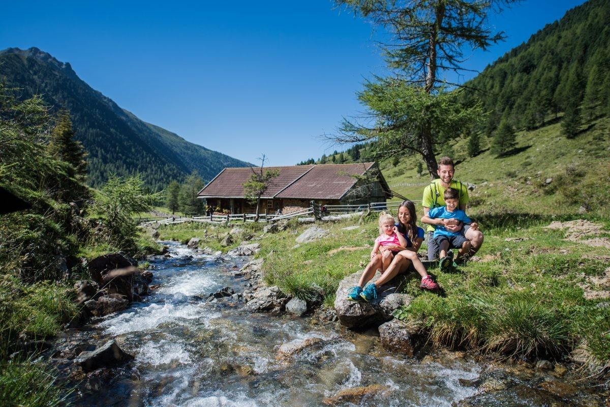 Op vakantie met het hele gezin (IDM Suedtirol/ Harald Wisthaler)
