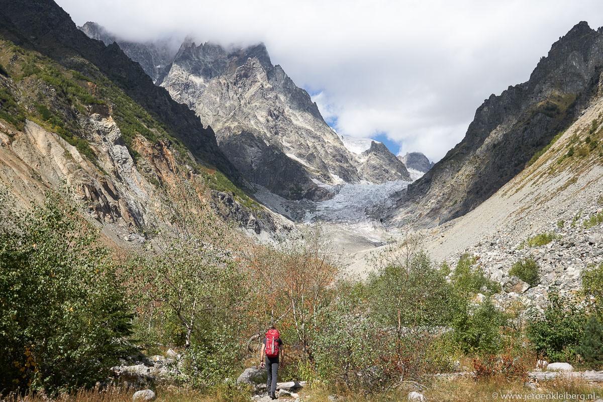 Wandelaar Chalati gletsjer