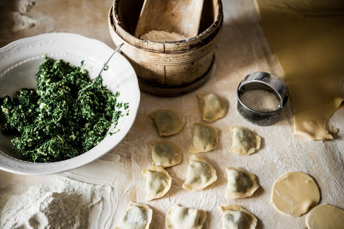 Koken volgens de traditie van de Ladin (foto: Alta Badia Brand, Alex Moling)