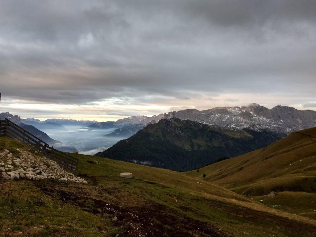 Uitzicht vanaf rifugio Friedrich August het dal in. Foto: Sietske Mensing