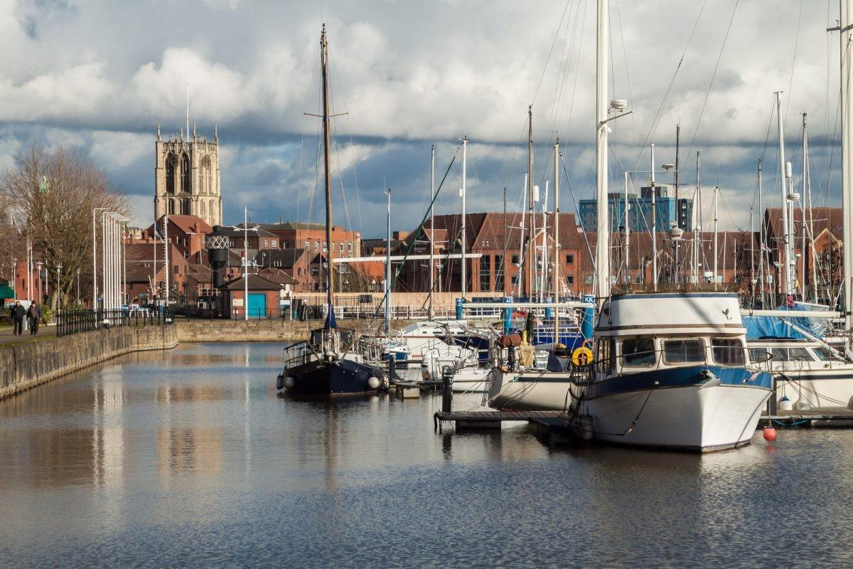 Na een nacht op de ferry kom je uitgeslapen aan in Hull. De reis kan beginnen! - Foto: PHAROS REIZEN