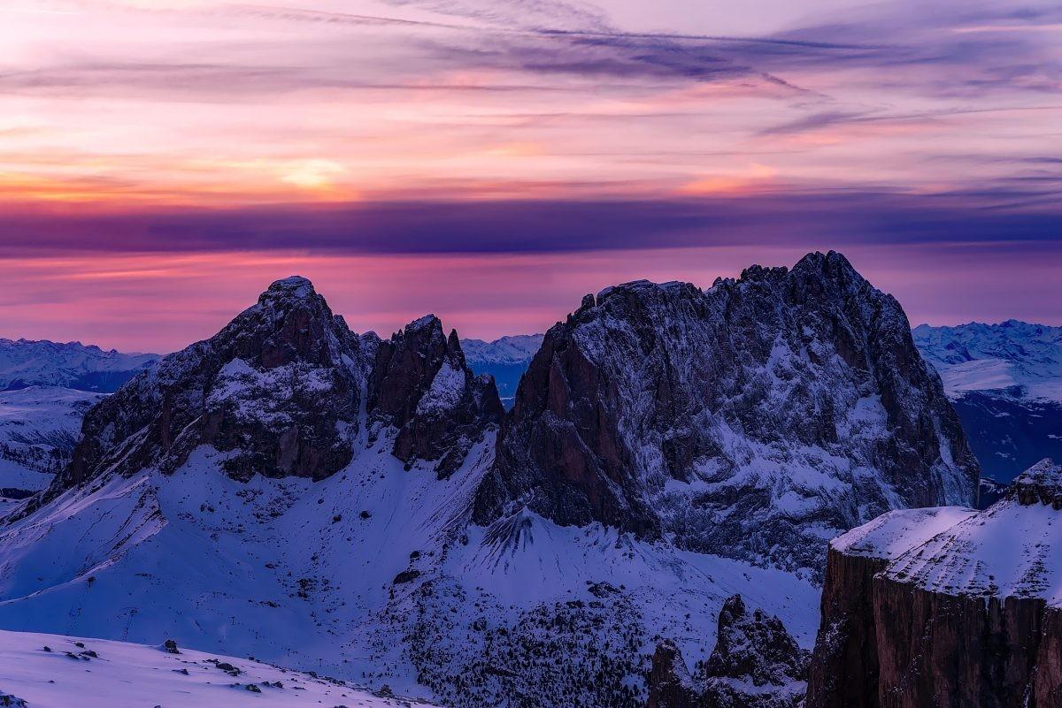 De zonsondergang kleurt de Dolomieten prachtig roze - Foto: PHAROS REIZEN