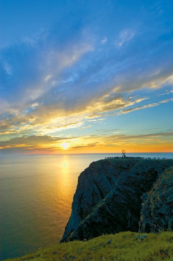 Bijzondere must visit: Middernachtzon op de Noordkaap! - PHAROS REIZEN