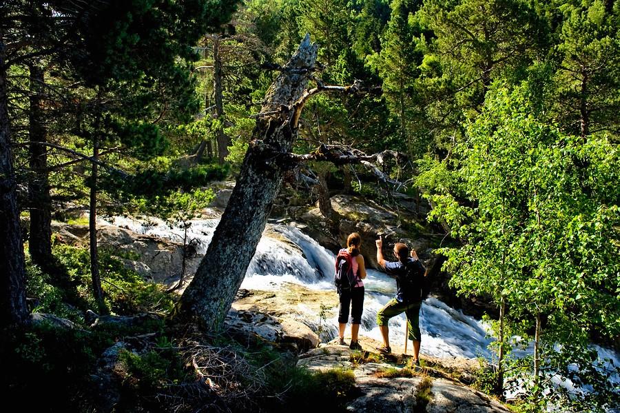 Hiken in Aigues Tortes (Vall de Boi). Foto: Sergi Ricart