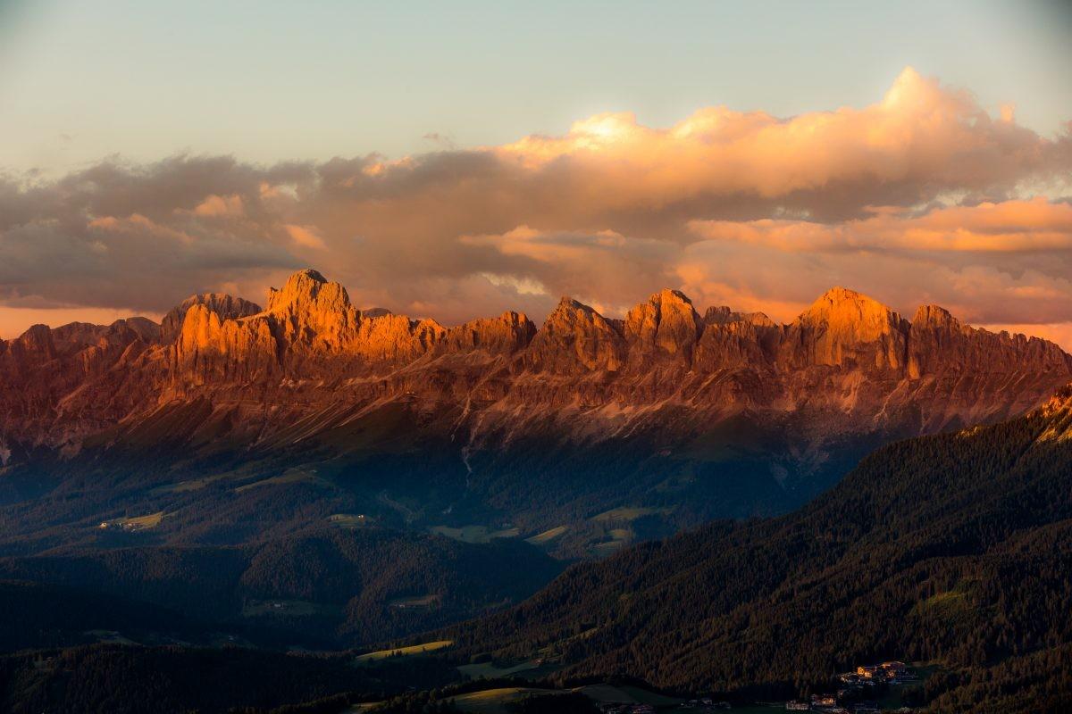 De bekende Rosengarten met haar typische kleur tijdens zonsondergang. Foto: Eggental Tourismus - Jens-Staudt