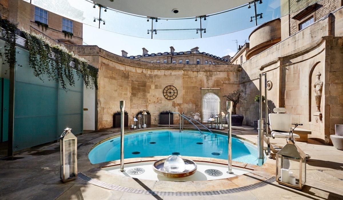 Thermae Bath Spa - Cross Bath. Fotocredit: www.greatwestway.co.uk