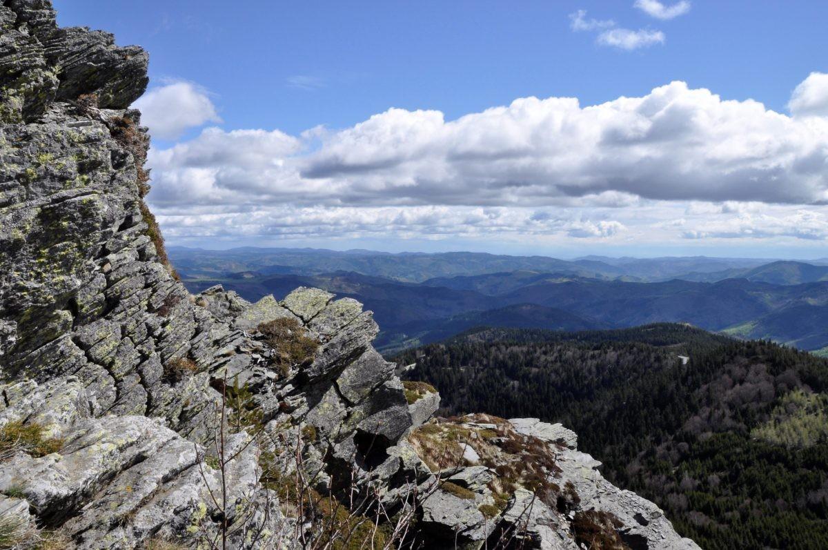 Halverwege de top van Mont Gerbier de Jonc. Eigen foto: Noëlle Verhage