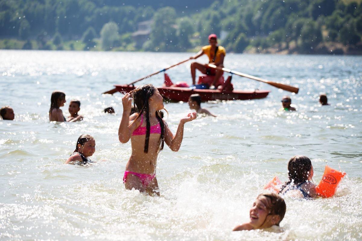 Zwemmen, varen en spelen in één van de 297 meren van Trentino © Fototeca Trentino Sviluppo S.p.A. - G. Panfili