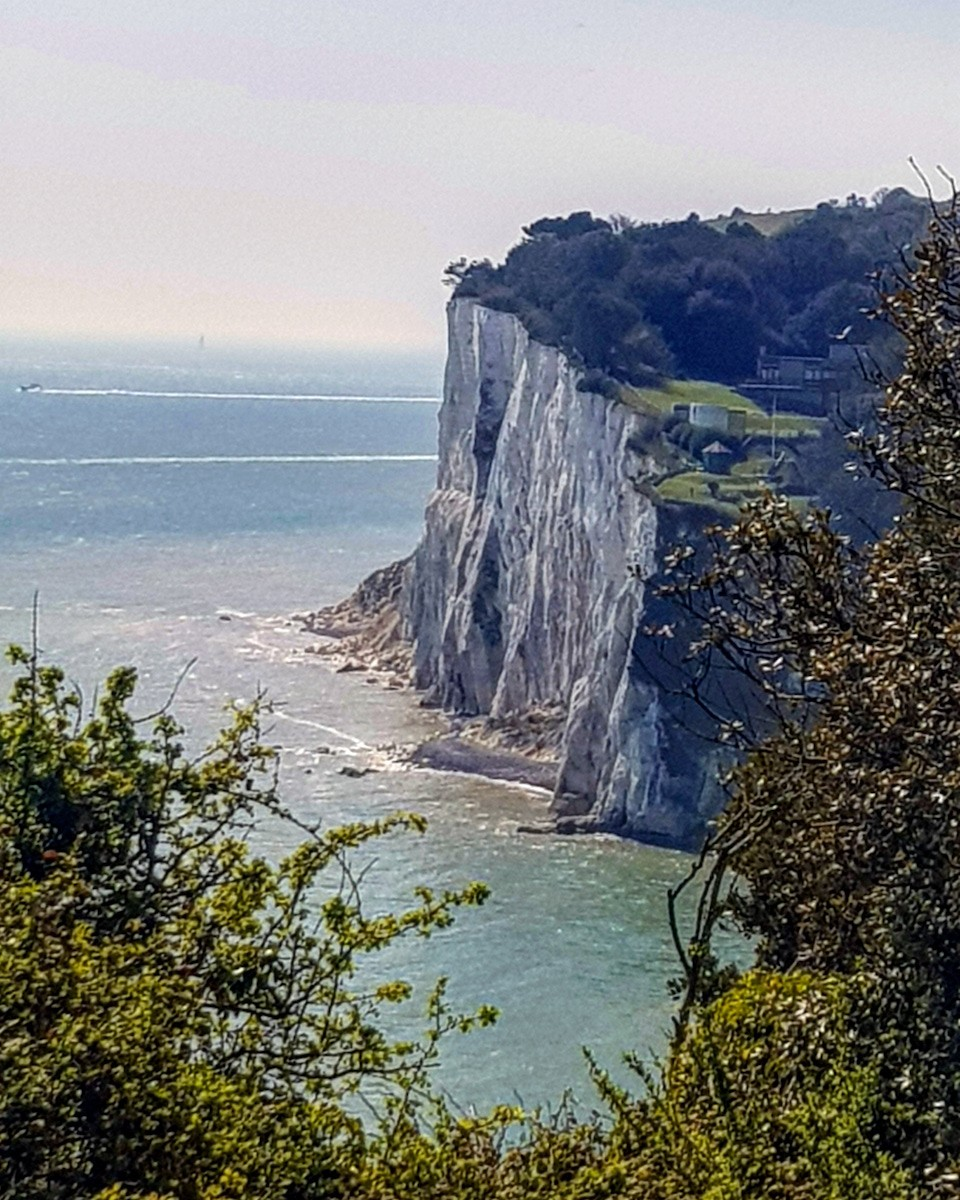 Wandelen over de krijtrotsen in Engeland