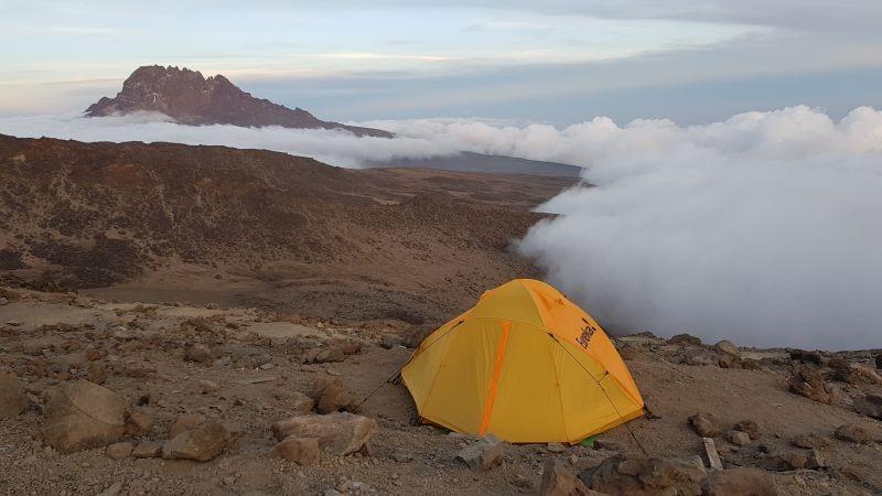 Boven de wolken kamperen