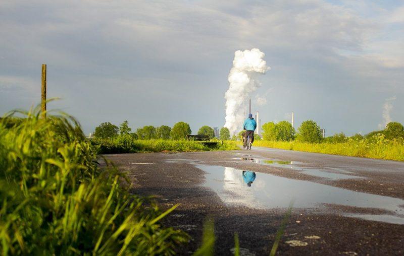 Onder de rook van Duisburg liggen groene weides